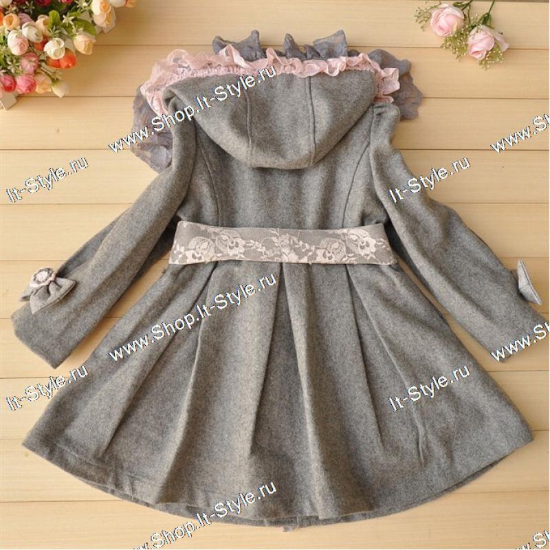 Детская брендовая одежда- пальто для девочки.